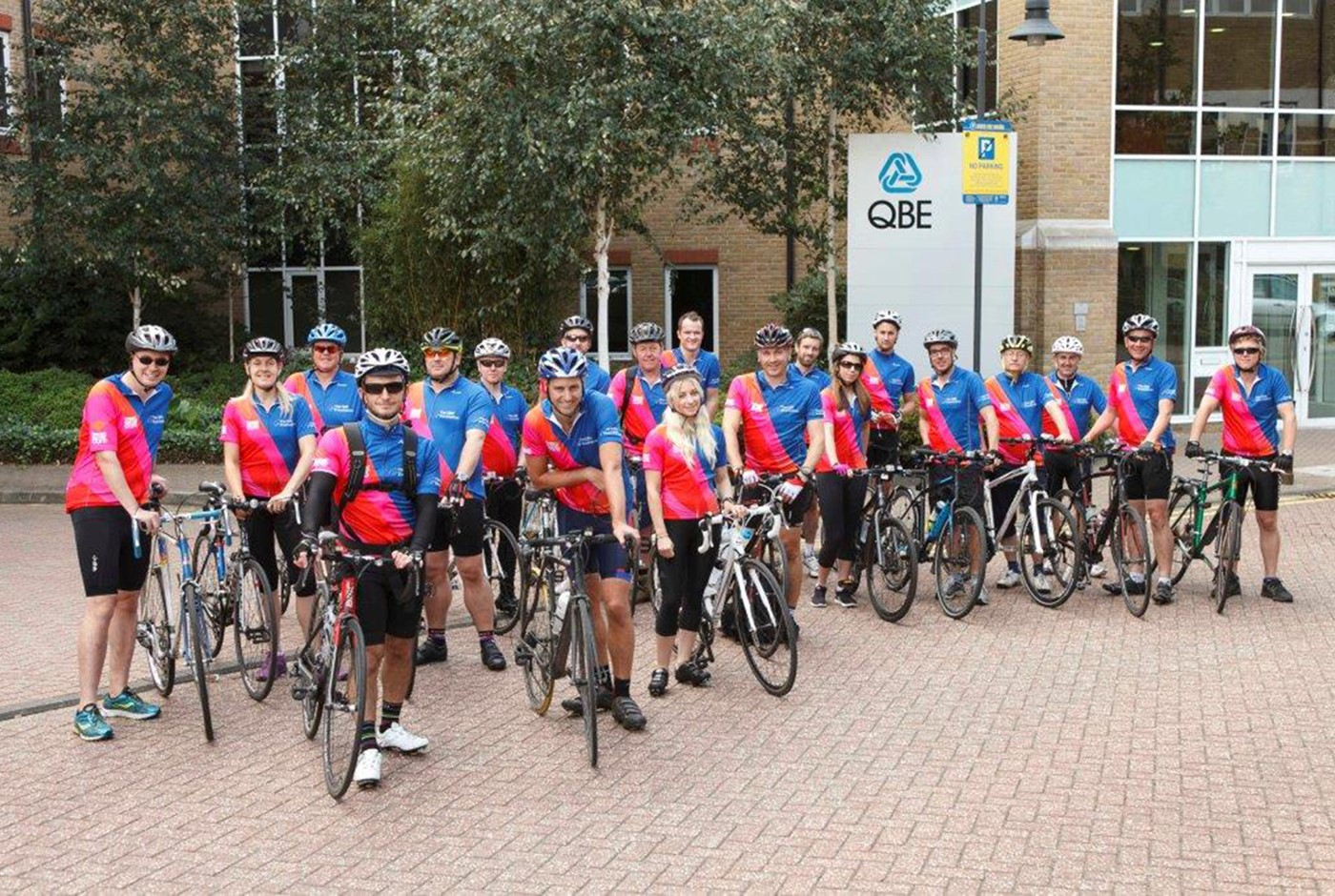 Tour de QBE launches from Glasgow in bid to raise £50,000 for breast cancer charity